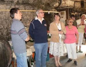 Didier Aubert nous accueille dans les caves troglodytes de son domaine de vouvray